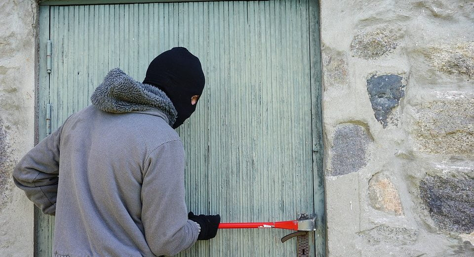 Полиция поймала вора, который ошибочно раскрыл свою личность