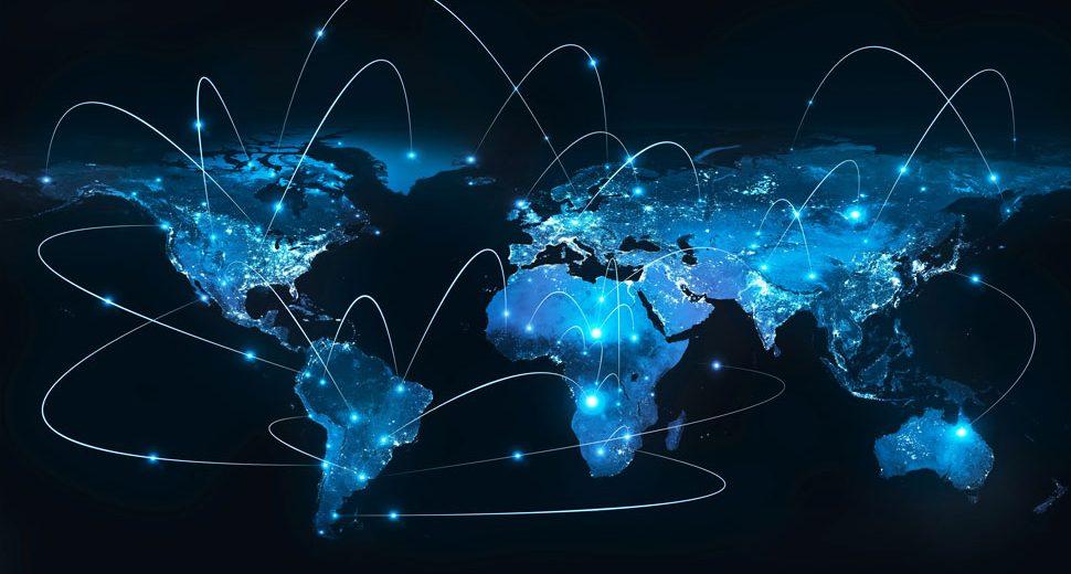 По данным сервиса Bitnodes, в настоящее время в мире развернуто 9547 нод биткоина. Почти половина от их общего количества приходится на США и Германию.