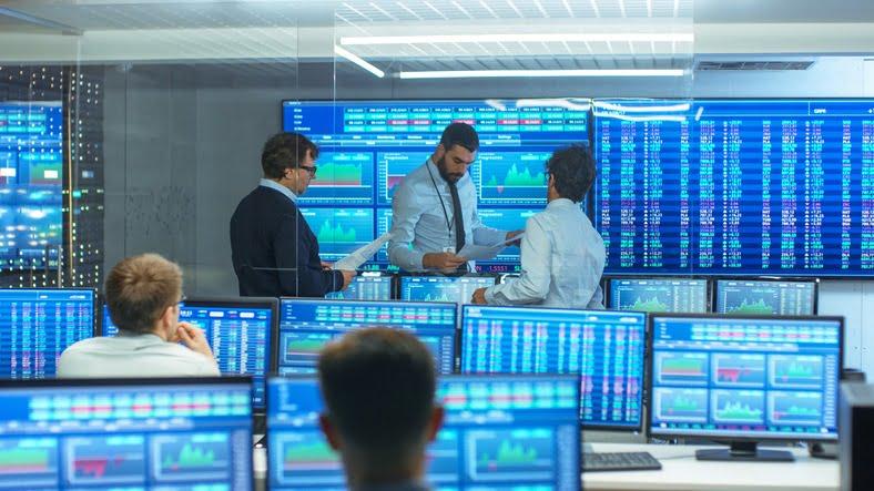 Традиционные трейдеры проявляют все больший интерес к криптовалютам